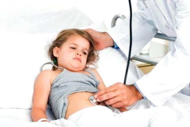 В Вінниці трирічна дівчинка отруїлась грибами. Стан малої критичний