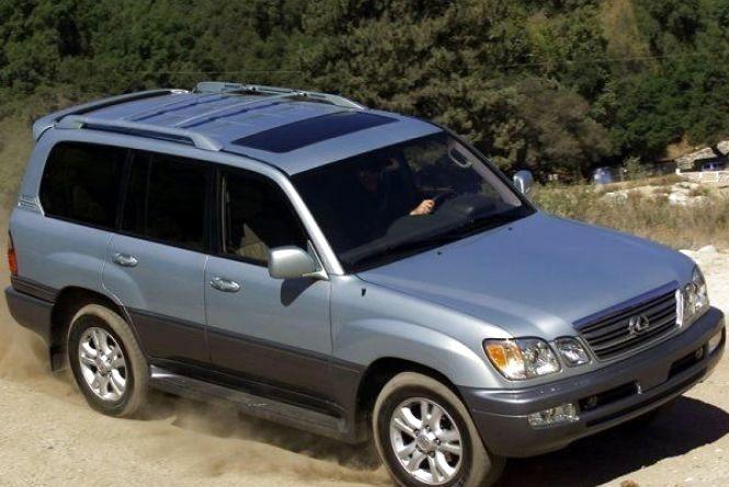 Депутат облради оскаржував у суді розмір накладеного на нього штрафу через новий Lexus