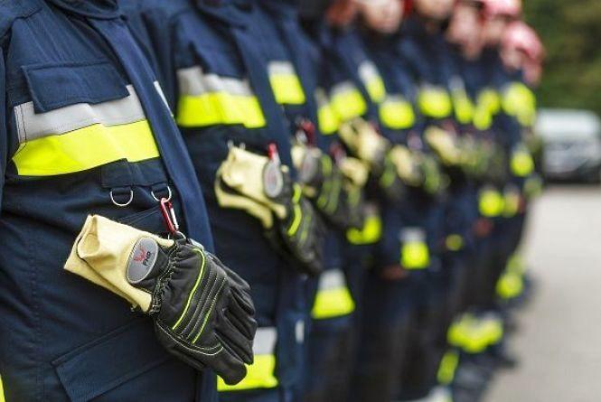 Більше 70 комплектів спецодягу передали з Німеччини вінницьким рятувальникам