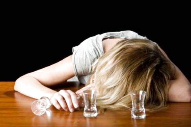 Поліція розшукала юну вінничанку, яка напилася та не змогла дійти додому