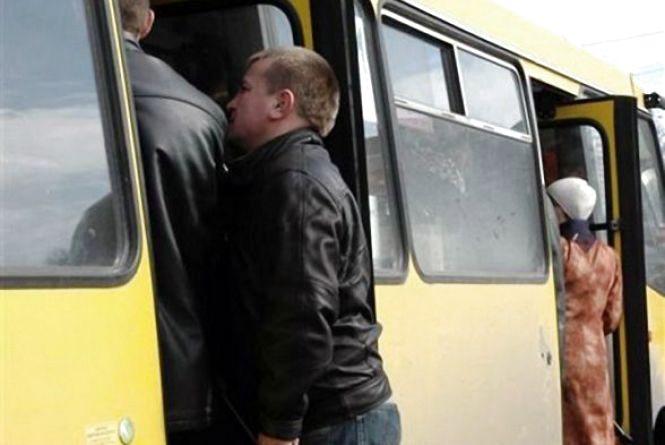 Електронні петиції: вінничанин пропонує замінити міські маршрутки на автобуси