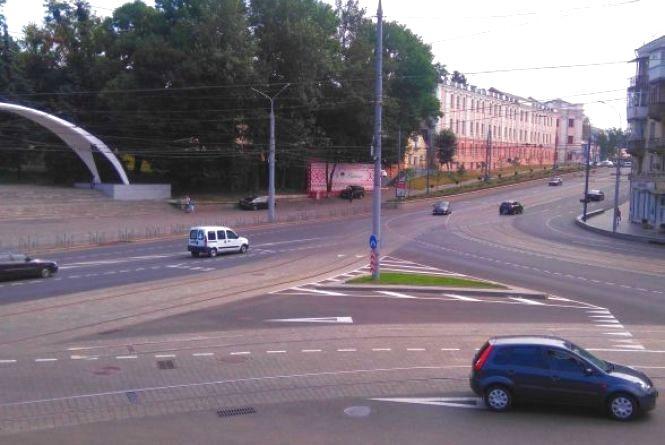 Замість Гагаріна — Каденюк. Вінничанин пропонує перейменувати площу біля Універмагу