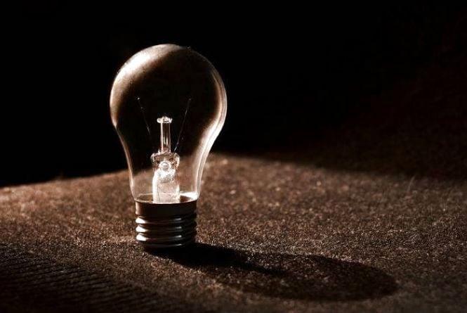 Де в понеділок мешканці Вінниці дев'ять годин сидітимуть без світла