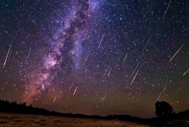 Ніч зорепаду. Сьогодні вінницьке небо «накриє» метеоритний дощ Гемініди