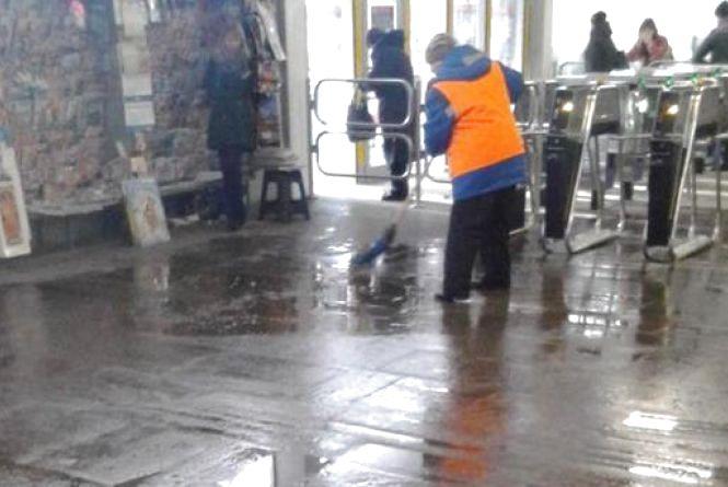 Вінничанин «замінував» київське метро та тюрму. Пожартував на п'ять років