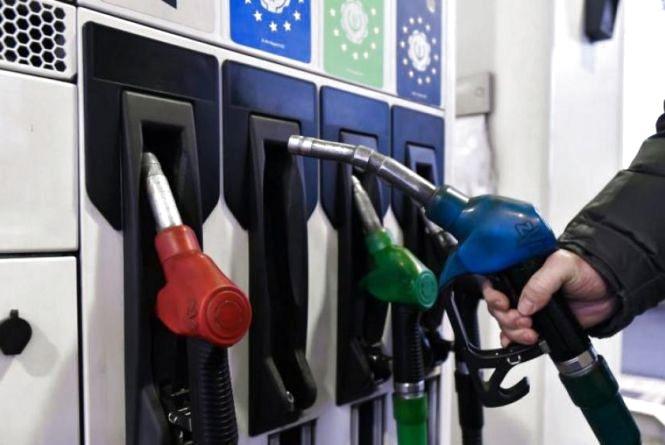 Як боротися з цінами на бензин? В мережі запустили флешмоб-бойкот