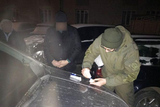 У Немирові викрили фіскала, який за рік взяв хабарів на 12 тисяч гривень