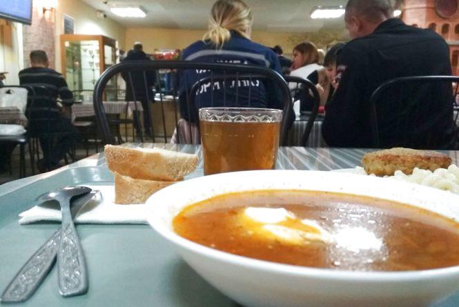 Рейд по їдальням: як і чим годують працівників міської ради