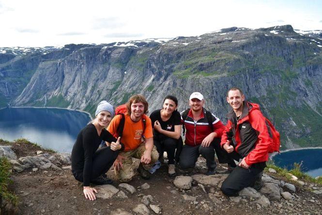 Селфі із льодовиком та сальто над прірвою: як дешево відпочити у недешевій Норвегії