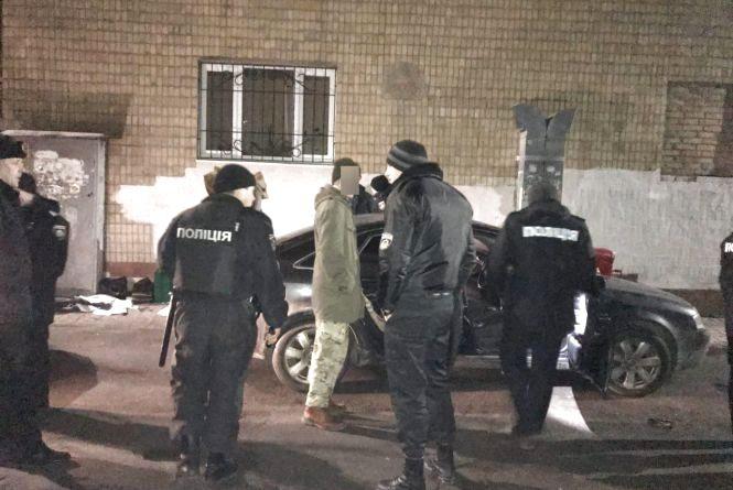 На Порика затримали озброєного крадія на AUDI A6, який обчистив чотири автомобілі