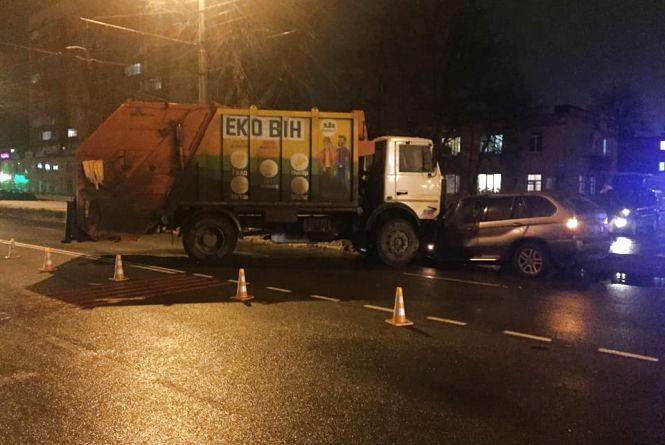 Шукають свідків ДТП на Київській, де зіткнувся сміттєвоз та легковик