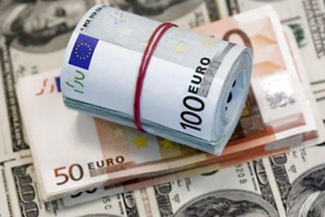 Курс валют НБУ на 6 лютого. По чому сьогодні продають долар та євро