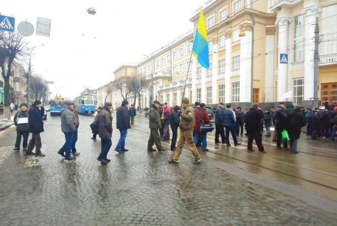 Мітинг пенсіонерів біля ОДА: рух на Соборній відкрито (ОНОВЛЕНО)