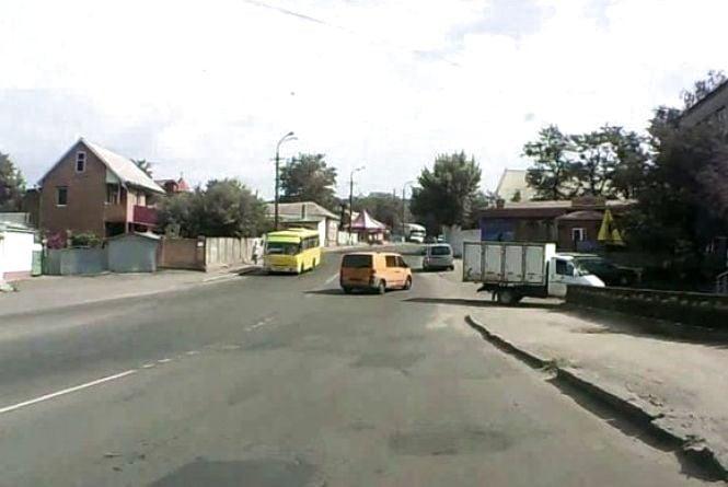 Пропонують пустити автобус з Барського шосе на Старе місто через вулицю Нечая
