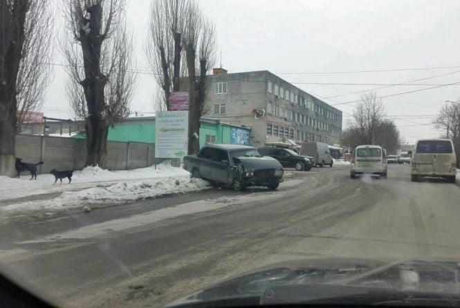 ДТП на Чехова: не розминувся «ВАЗ» та «Форд», а також «Форд» та Dacia