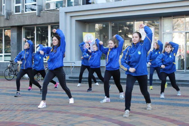 Фестиваль зарядки. Спортивні школи змагалися у танцювальному батлі