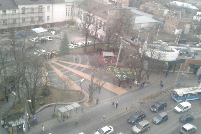 Кіпіш у Вінниці: Гройсман та Порошенко приїхали. Вебкамери та світлофори не працюють