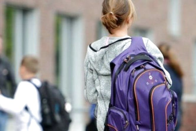 15-річна вінничанка дев'ять разів тікала з дому. Чому «бісяться» підлітки?