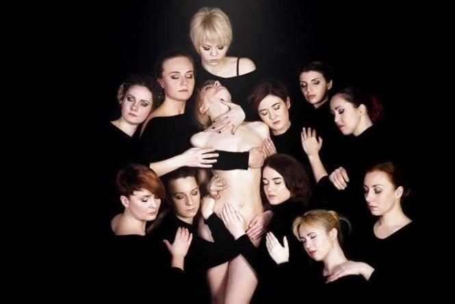 Юлия Светлова в субботу приглашает на премьеру: «Мы готовы обнажить душу! А вы?»