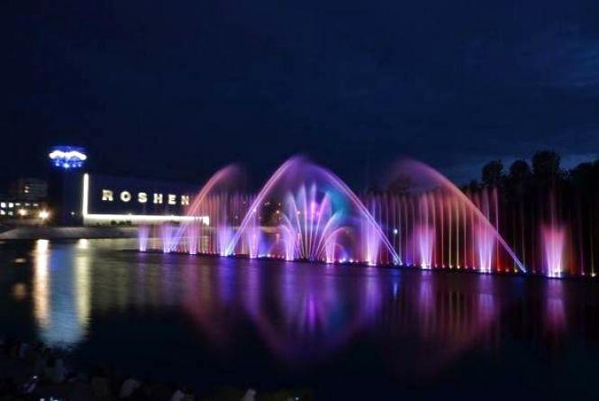 Відкриття фонтану «Рошен»: чи будуть перекривати рух транспорту?