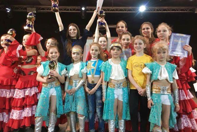 Вінничани привезли 90 перемог з фестивалю східного танцю