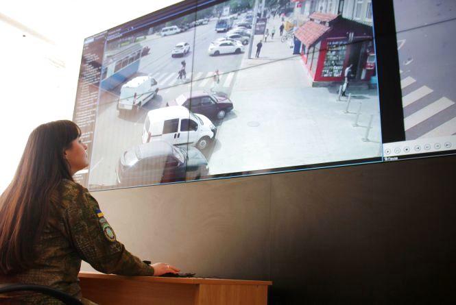 Ситуаційний центр у Вінниці: п'ять сотень «очей», дрон та «фотопастка» слідкують за вами