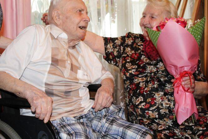 Одружилися у Берліні після Перемоги і дотепер разом – йому 100, їй 95