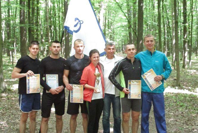 Вінницькі поліцейські позмагалися з працівниками ДСНС і СБУ у бігу