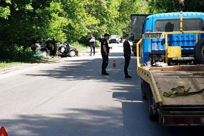 Смертельна ДТП: тіло одного із водіїв з понівеченого авто вирізали рятувальники