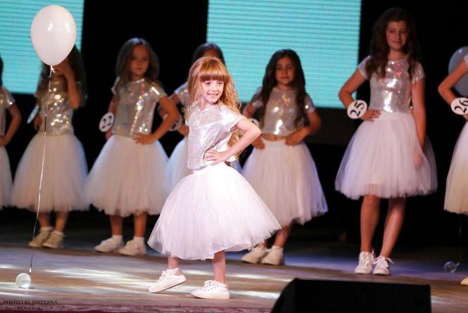Маленьких красунь Вінниччини запрошують взяти участь у фестивалі краси та творчості