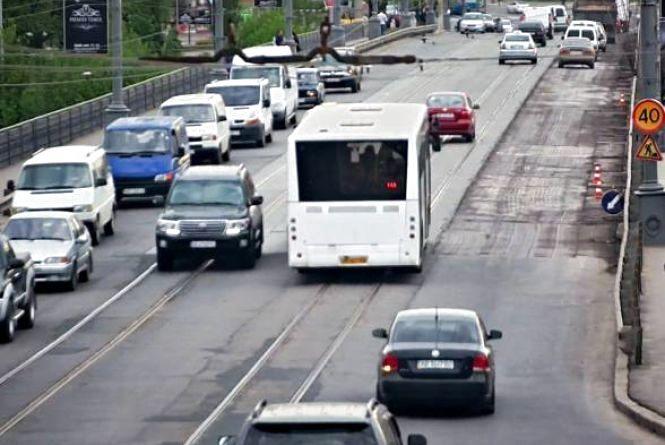 У поминальну неділю 35 автобусів возитимуть вінничан безкоштовно