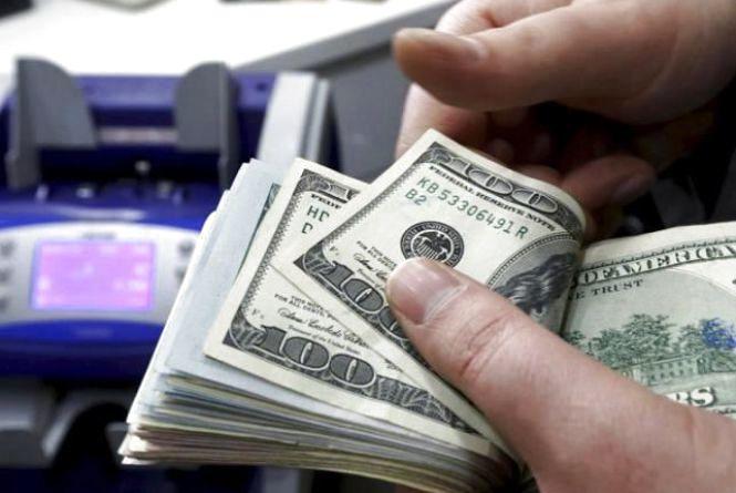 По Вінниці ходять фальшиві гроші. Поліція провела серію обшуків у валютників