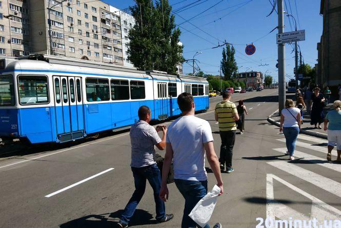 У центрі Вінниці стоять тролейбуси та трамваї. У чому причина?