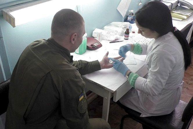 Спалах кору у військовій частині: на Вінниччині хвороба «скосила» 69 солдат