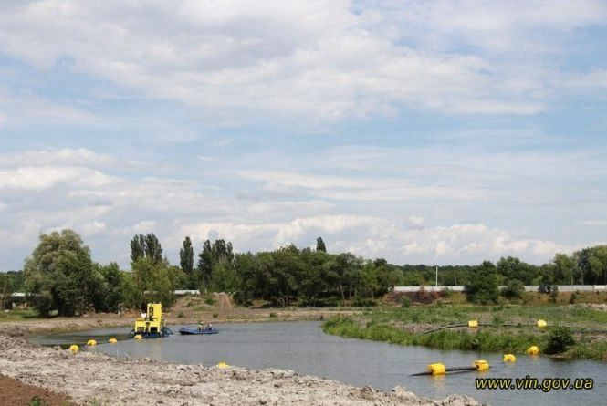 Розчищення Десенки: відновили замулені джерела і рівень води піднімається