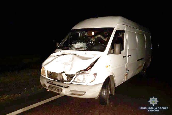 У Калинівці під колесами мікроавтобуса загинув пішохід
