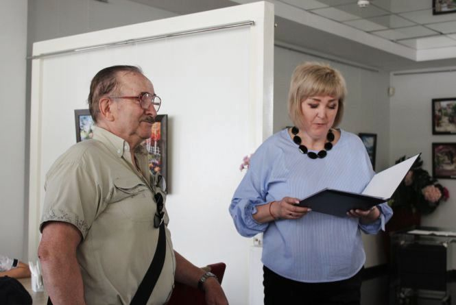 Через 30 років знову почала малювати, служить в армії та вдячна вчителю