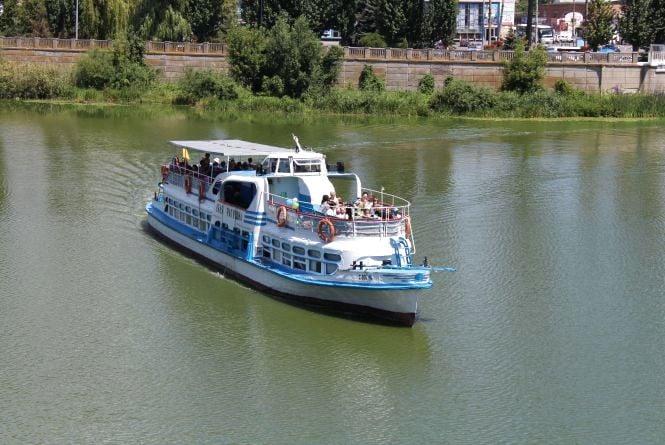 Місто хоче забрати «Лялю Ратушну», «Пирогова» та будівлі біля річки Буг