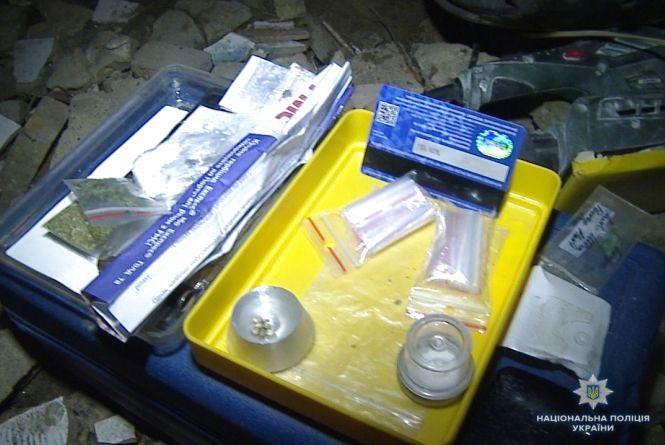 У Вінниці зловили наркоторгівця, який розкладав «закладки» амфетаміну по місту