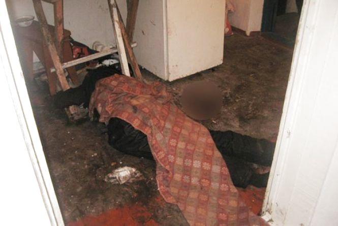Смертельне застілля у Гостинному: «під шафє» жінка пірнула чоловіка у живіт
