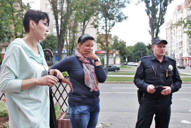 На Порика жителі борються з кафе за землю. Там хочуть поставити літній майданчик
