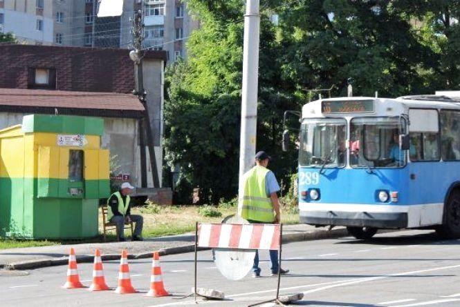 На добу перекриють Київський міст. Як курсуватиме громадський транспорт?