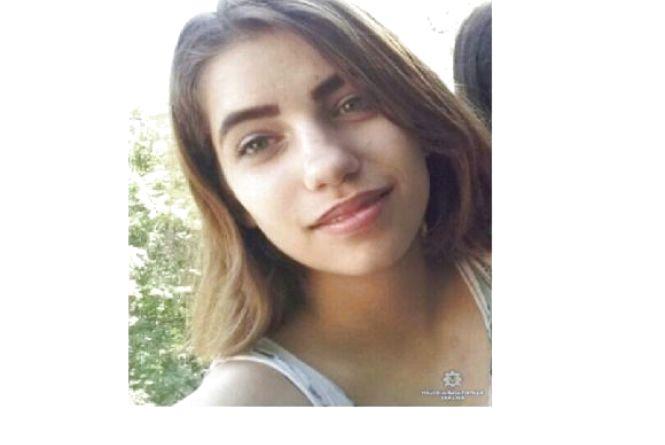 У Вінниці зникла 13-річна Настя. Допоможіть її розшукати