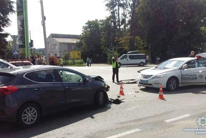 Поліція виклала офіційні коментарі про ДТП з патрульною автівкою