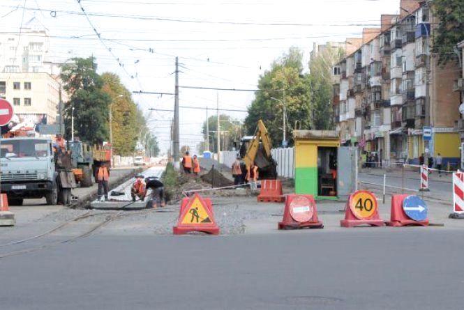 На місяць перекриють рух на ділянці по вулиці Замостянській. Як об'їхати?