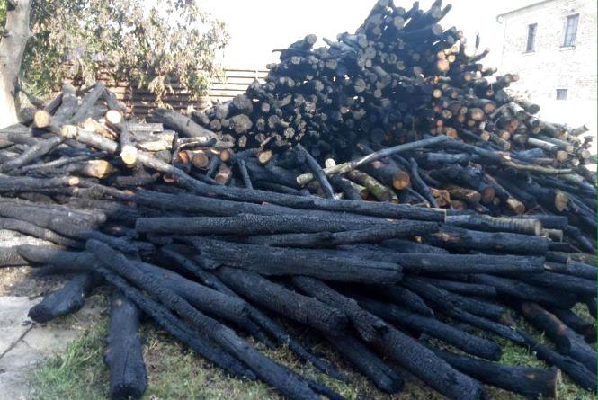 У Бершадському районі зайнялися дрова біля амбулаторії. Підпал?