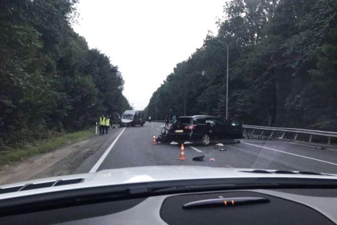 Один загиблий та семеро травмованих. Під Вінницею зіштовхнулися Volkswagen та Fiat