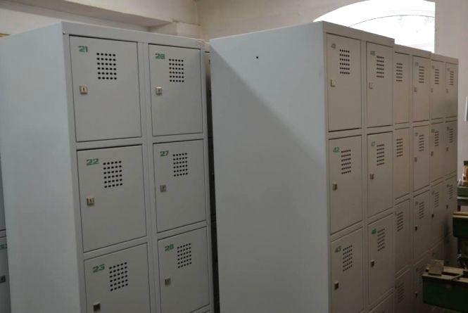 Петиція: вінничани просять встановити в молодшій школі індивідуальні шафки-локери