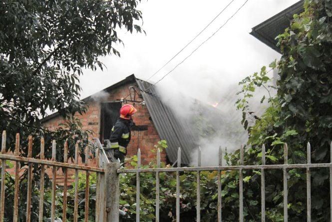 Біля «Книжки» загорівся будинок. Але концерт на День міста не скасовують