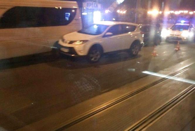 Вінниця 9 вересня: ДТП за участю маршрутки та два авто у кюветі